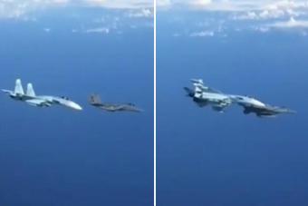 这操作太硬核!俄军苏27逼退美军F15 差点就撞上