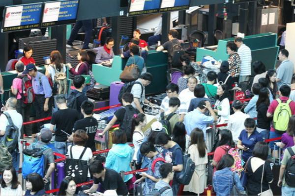 台湾华航机师宣布重启罢工 称不排除春节行动