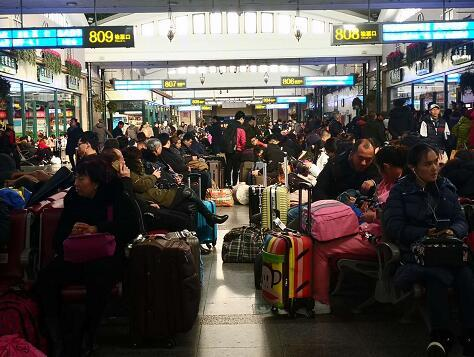 出行高峰来了!北京三大火车站今天预计发送旅客近60万人