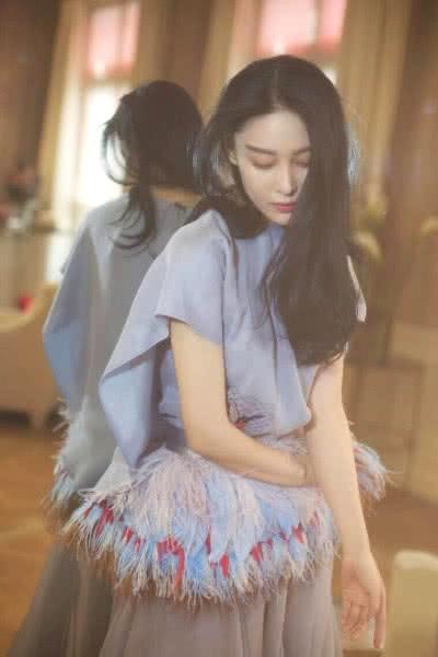 有一种孕妇叫张馨予看到她的腿之后网友:嫉妒使我面目全非!