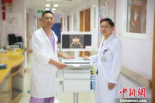 罕见膀胱外翻婴儿出生1天在上海成功获救