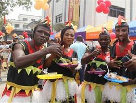 尼日利亚春节庙会年味浓