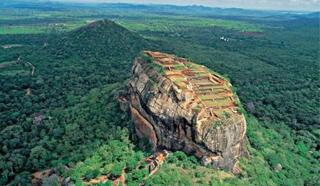 斯里兰卡狮子岩禁游客带聚乙烯制品