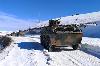高原守护神!西藏军区边防团92步战车征战雪原