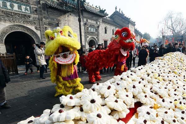 安徽亳州:吃枣花馍 庆新春到