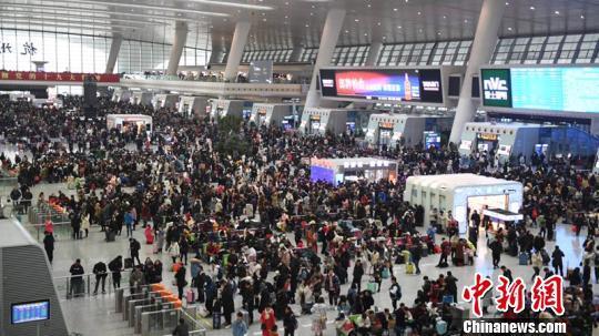 长三角铁路春运短途客流激增 节后预计发客4610万人次