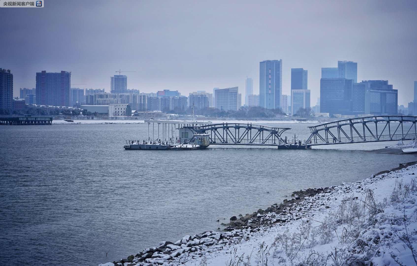 江苏多地迎来农历新年第一场降雪