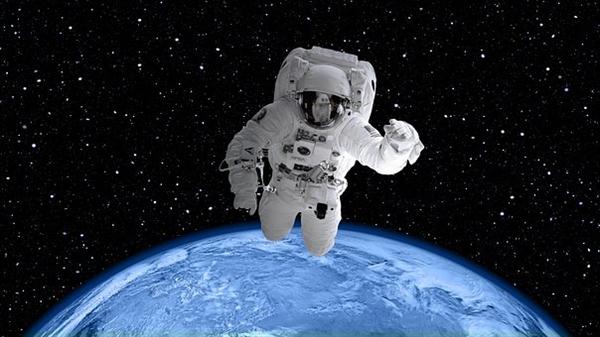 宇航员首次穿上智能运动衫 可实时监测生理特征