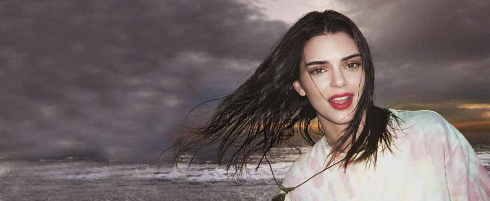 肯豆Kendall Jenner海滩度假封面 种草渐变色卫衣