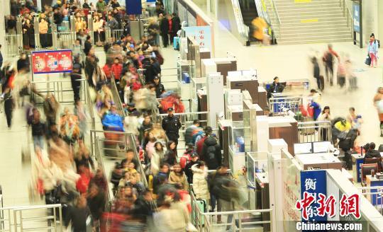 北京赛车彩票pk10:广铁节后返程客流高峰持续 湖南地区加开夜间高铁