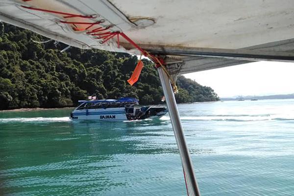泰国普吉海域撞船致11名中国游客伤,9人回国2人留泰治疗