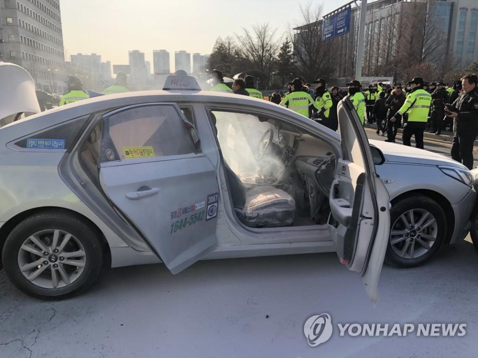 第3起!韩国又一出租司机自焚 不满拼车软件抢生意