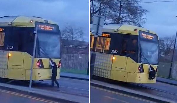 英12岁少年攀爬行驶公车 交通部门:不要用生命冒险