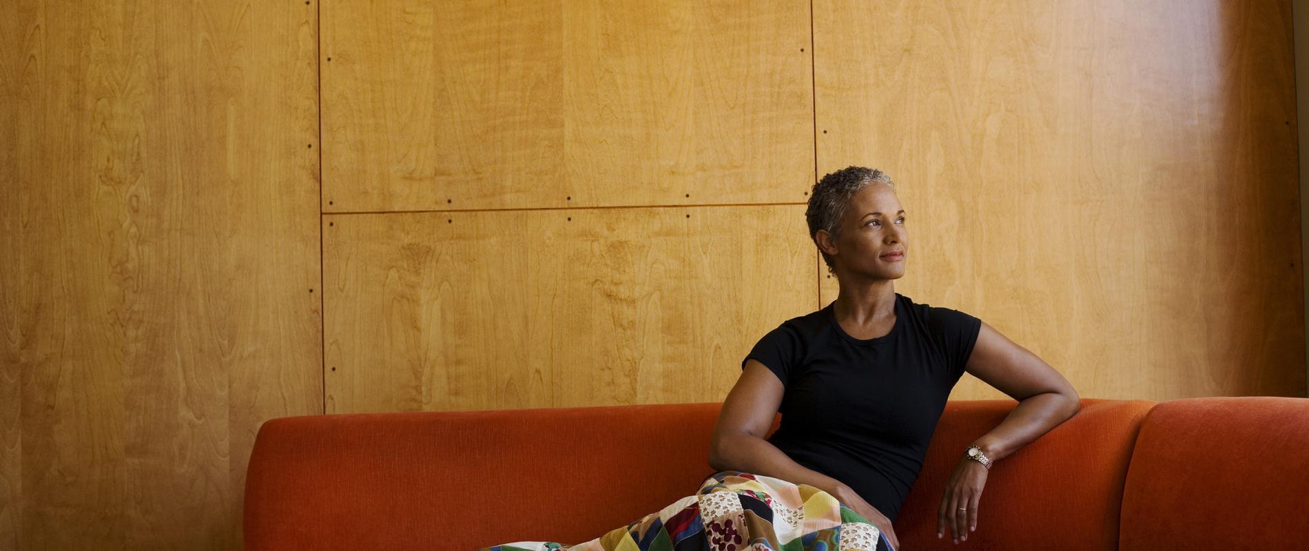 焦躁烦闷难以控制?四条建议帮助女性从容度过更年期