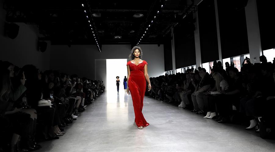 纽约时装周——Tadashi Shoji品牌时装秀