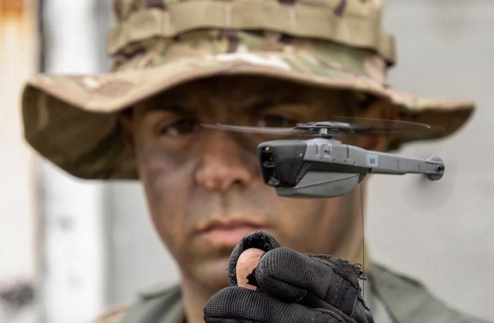 美军拟购微型无人机:重量33克 能飞2公里拍高清照