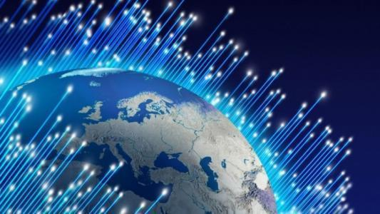 我国首次实现Pb/s级光传输 达国际先进水平