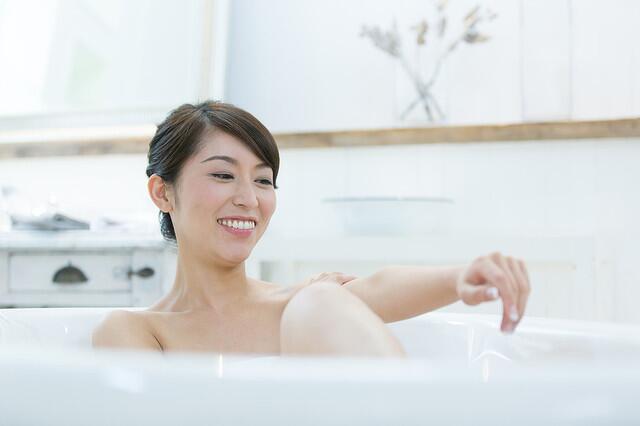 寒冷冬季温泉来凑 爱护身体小技巧送你!