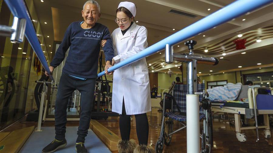 """老龄化呼唤创新型""""医养结合""""模式"""