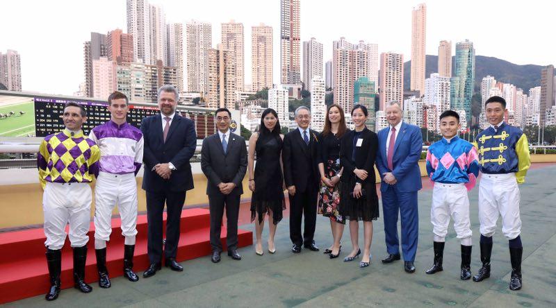 浪琴表马术大师赛前奏活动:让大师赛骑手及亚洲马术週与会代表感受香港世界级赛马