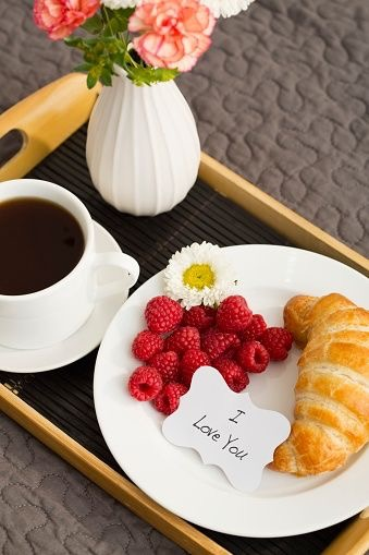 从仪式感的爱心早餐开始 情人节创意都是爱的形状