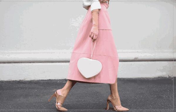 情人节穿什么约会?粉色长裙最佳选择!