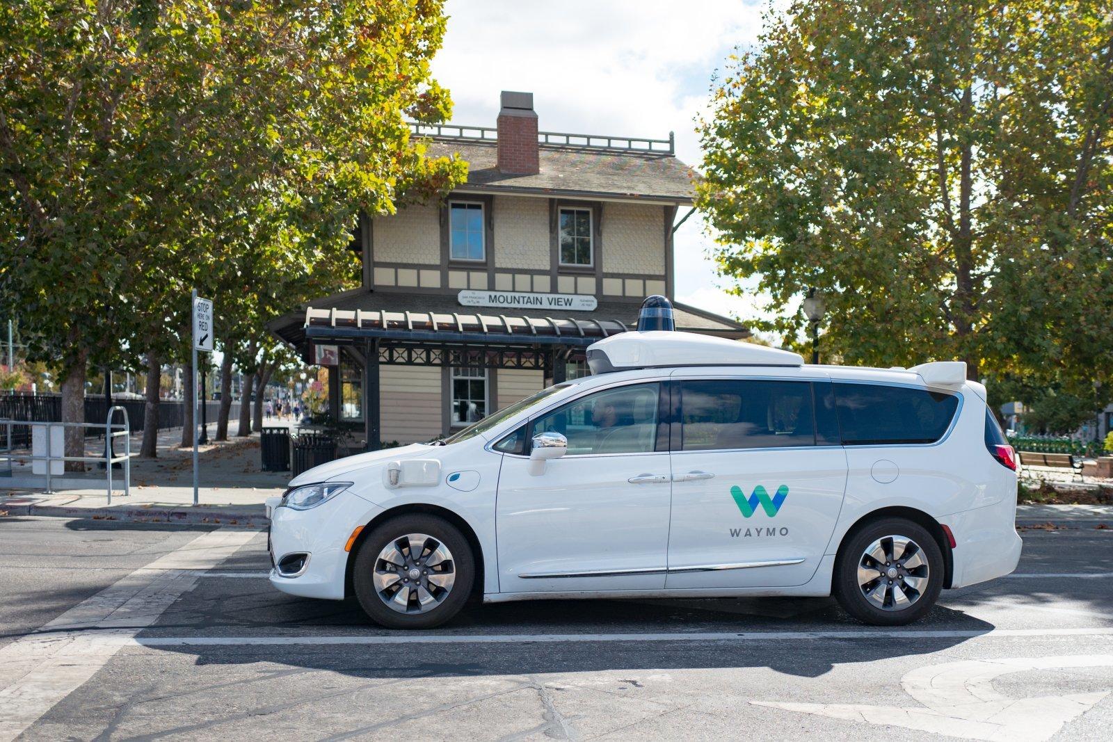 Waymo自动驾驶汽车人工干预率每万英里仅一次