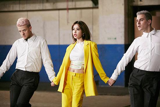 蔡依林献《玫瑰少年》 2/15舞蹈版MV帅气上线