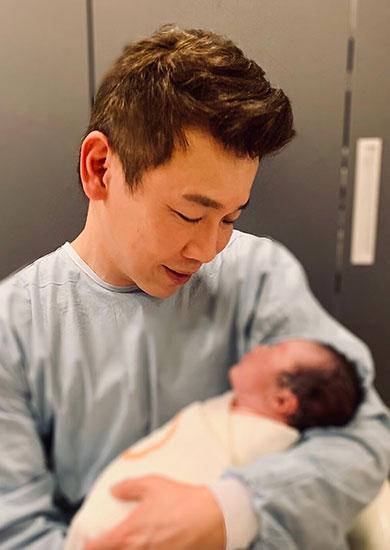 陶喆宣布儿子Bonbon出生 粉丝纷纷献上祝福
