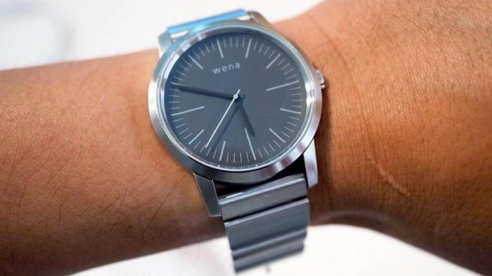 索尼Wena Wrist智能手表即将在英国发售