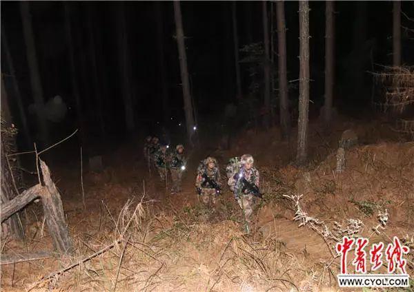 """北京赛车pk10五码技巧:""""武装巡逻分队到点到位,宣示主权,我们站立的地方是"""