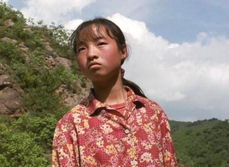 13岁的她在农村喂猪,遇到张艺谋改变她一生,如今却变得这般模样