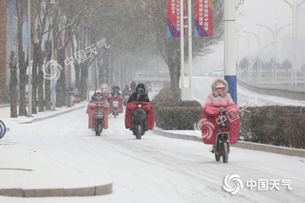 华北迎今冬来最强降雪 江南等地持续湿冷