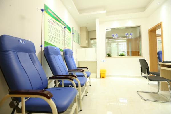 上海户籍人口期望寿命83.63岁 市民健康三大指标再创佳绩