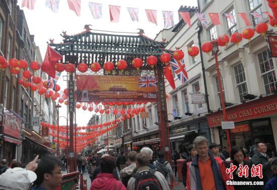 外媒:伦敦华埠餐饮业缺中国厨师 因英移民门槛苛刻?