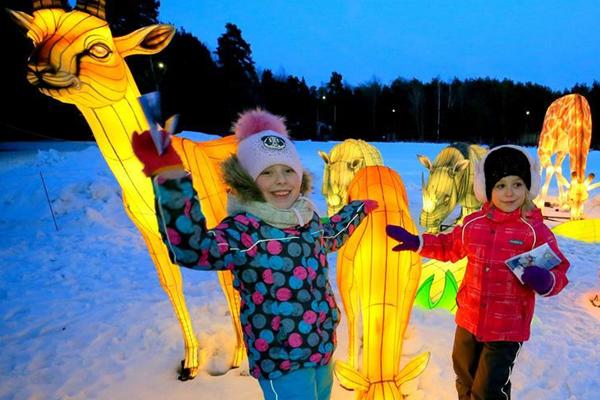 白俄罗斯首都明斯克举办自贡灯会