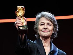 英国演员夏洛特·兰普林获得第69届柏林电影节终身成就奖