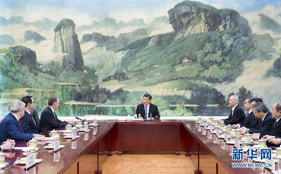 习近平会见美国贸易代表莱特希泽和财政部长姆努钦