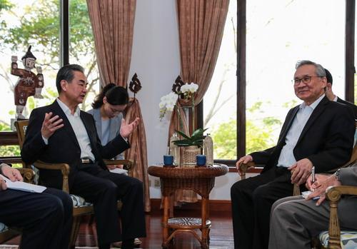王毅与泰国外长敦战略磋商:共同维护南海航行飞越自由