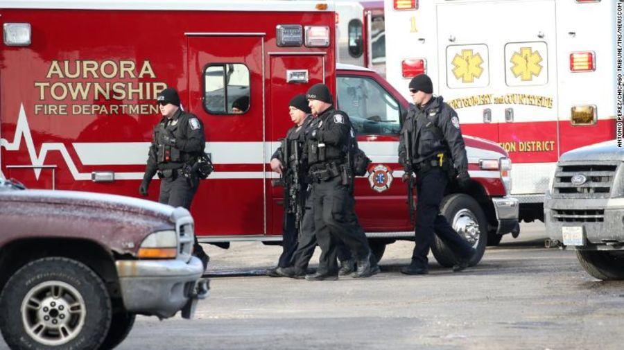 美国伊利诺伊州发生枪击案 致5人死亡