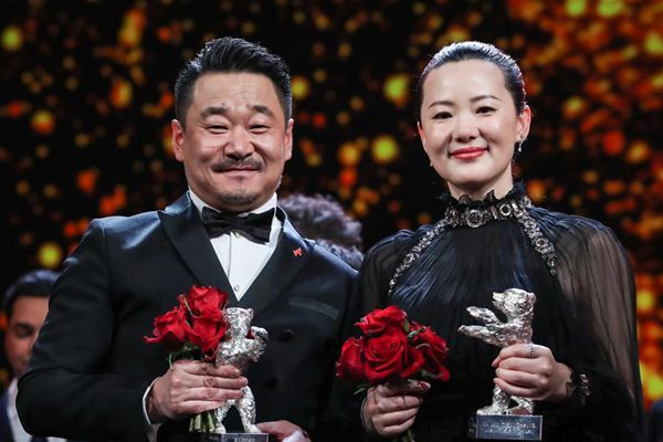 中国演员王景春咏梅柏林电影节分封影帝影后