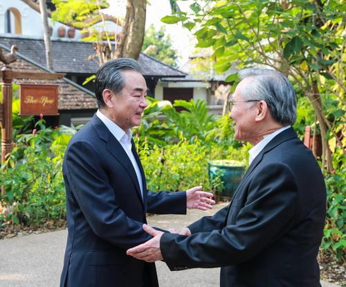 王毅与泰国外长敦举行战略磋商