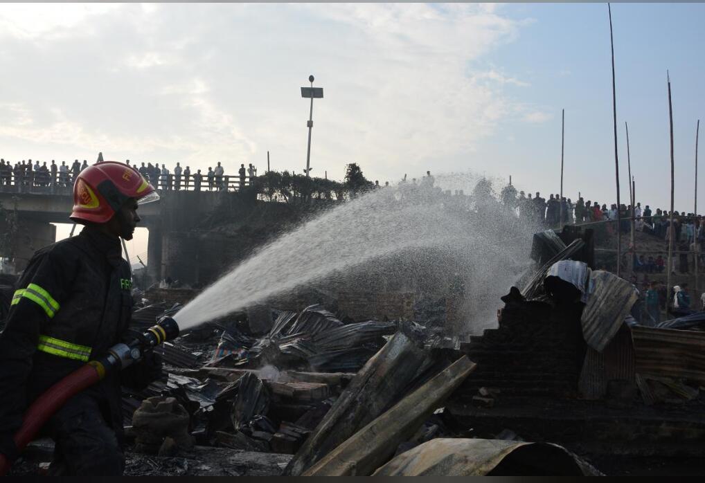 快讯!孟加拉国吉大港一贫民窟起火,已有8人遇难