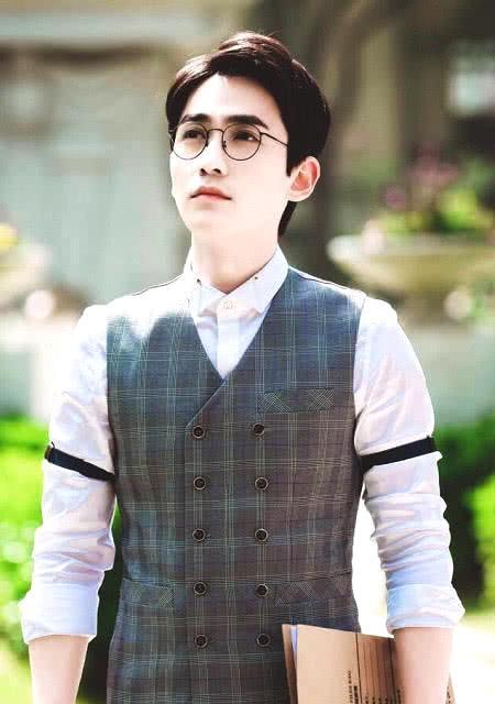 朱一龙30岁我信,李易峰30岁我信,说他30岁我真不信