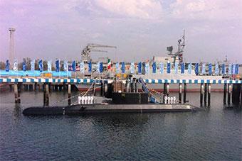 伊朗国产最先进潜艇正式服役 可发射巡航导弹