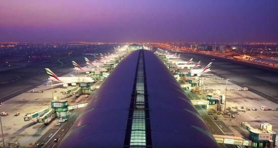 疑似无人机干扰 迪拜机场短暂关闭