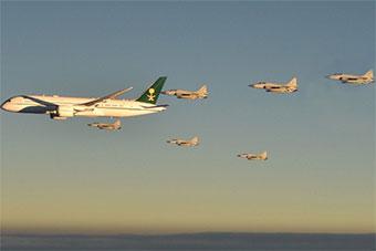 阵势太大!沙特王储访巴基斯坦 6架JF17护航专机