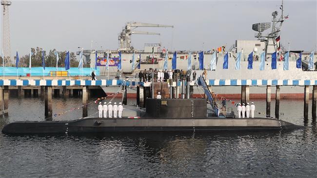伊朗高调公开新型国产潜艇 配备反舰巡航导弹