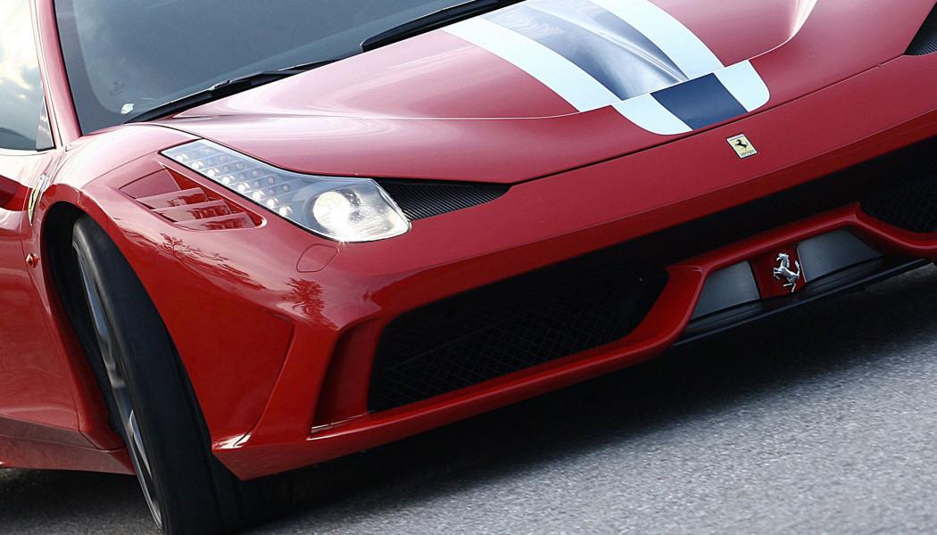 传法拉利今年推第二款混动超跑 搭载中置V8引擎