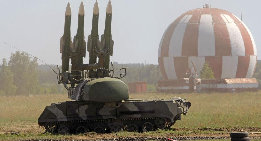 俄军演练同时出动4款防空武器 上演多层次打击
